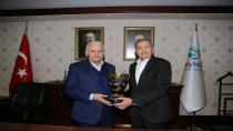 Binali Yıldırım Beykoz Belediyesini Ziyaret Etti