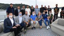 ''Valide Sultan Gemisi'' derbi öncesi Fenerbahçeli futbolcuları ağırladı