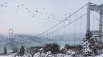 Kar yağışı mega-kenti terk ediyor